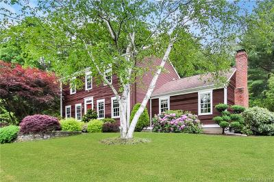 Trumbull Single Family Home For Sale: 41 Brewster Place