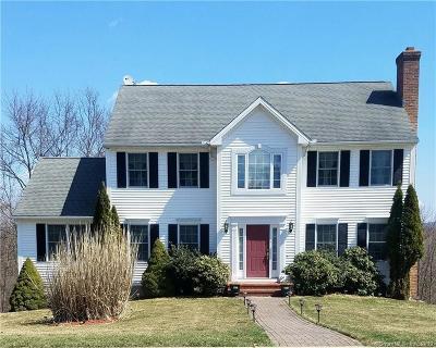 Naugatuck Single Family Home For Sale: 93 Graham Ridge Road