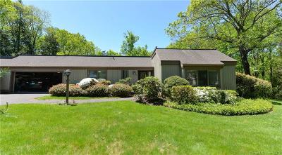 Southbury Condo/Townhouse For Sale: 35 Heritage Circle #B