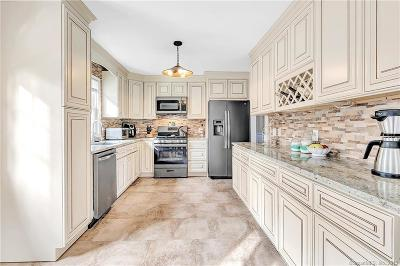 Monroe Single Family Home For Sale: 11 Pamela Drive