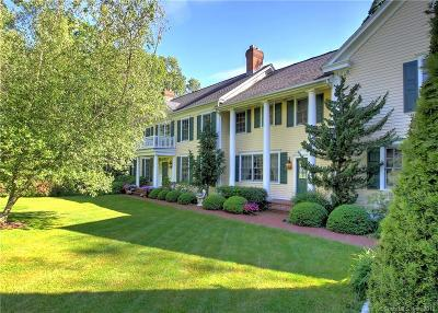 Woodbridge Single Family Home For Sale: 70 Penny Lane