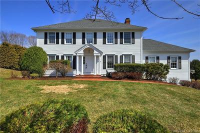 Trumbull Single Family Home For Sale: 36 Farmstead Lane