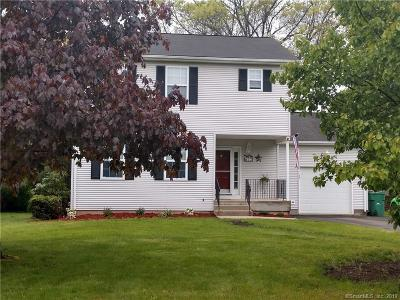 South Windsor Single Family Home For Sale: 12 Podunk Circle #12