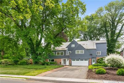 West Hartford Single Family Home For Sale: 17 Brookside Boulevard