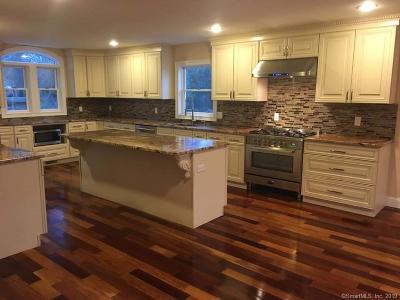 Milford Single Family Home For Sale: 647 New Haven Avenue