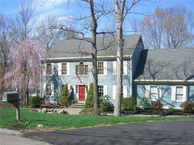 Hamden Single Family Home For Sale: 24 Cobblestone Drive