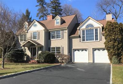 Stamford Single Family Home For Sale: 7 Holly Cove Circle