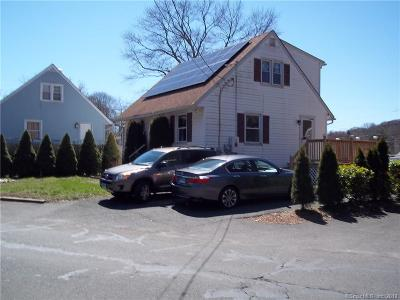 Bridgeport Single Family Home For Sale: 835 Old Town Road