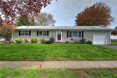 Stratford Single Family Home For Sale: 110 Glenn Drive