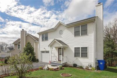 Newington Single Family Home For Sale: 43 Adam Drive