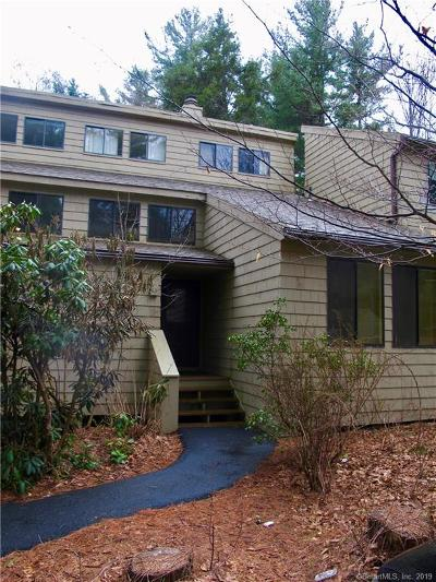Litchfield County Condo/Townhouse For Sale: 68 Woodside Circle
