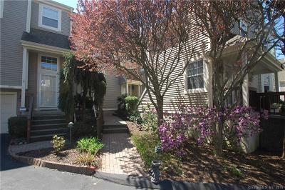 Norwalk Condo/Townhouse For Sale: 803 Foxboro Drive #803