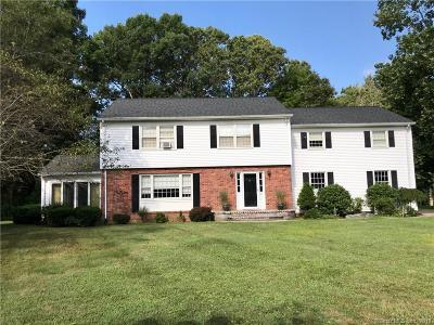 Cheshire Single Family Home For Sale: 25 Wolf Hill Court