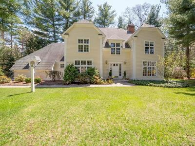 Farmington Single Family Home For Sale: 11 Chatsworth Place