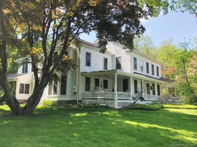Brookfield Single Family Home For Sale: 82 Obtuse Road South