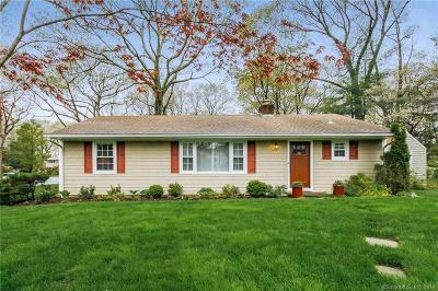 Norwalk Single Family Home For Sale: 8 Acorn Lane