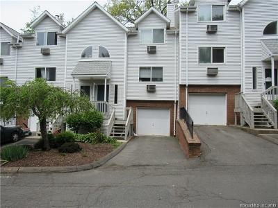 Waterbury Condo/Townhouse For Sale: 925 Oronoke Road #17H
