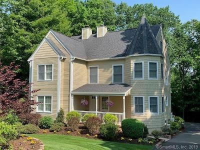 Farmington Single Family Home For Sale: 122 Oakridge