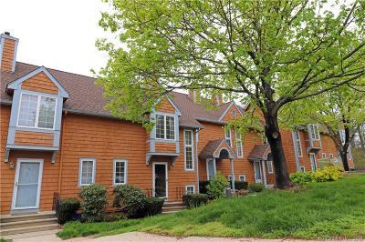 East Windsor Condo/Townhouse For Sale: 4 Pamela Court #4