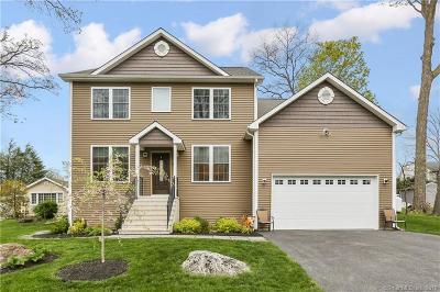 Danbury Single Family Home For Sale: 18 Cedar Street
