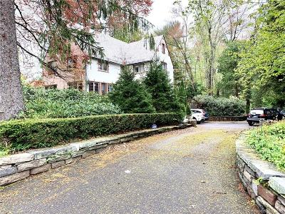 West Hartford Single Family Home For Sale: 1954 Albany Avenue