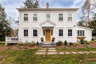 Ridgefield Single Family Home For Sale: 620 Ridgebury Road