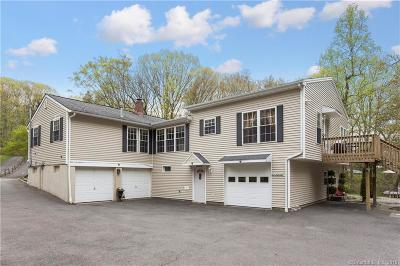 Trumbull Single Family Home For Sale: 65 Columbine Drive