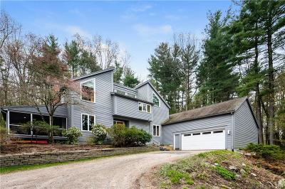 Simsbury Single Family Home For Sale: 17 Pinnacle Mountain Road