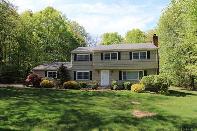 Stamford Single Family Home For Sale: 88 Dogwood Court