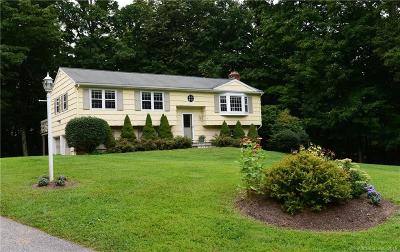 Fairfield County Single Family Home For Sale: 14 Bobbys Court
