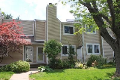 Tolland County Condo/Townhouse Show: 60 Old Town Road #15