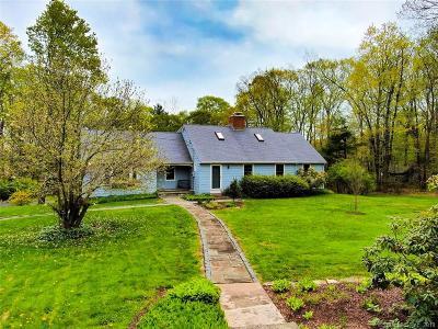 Middletown Single Family Home For Sale: 24 Lisa Lane