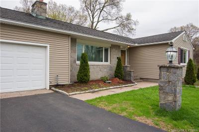 Plainville Single Family Home For Sale: 208 Trumbull Avenue