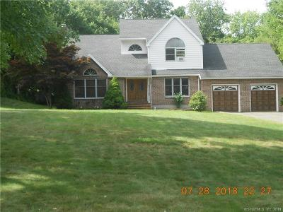 Naugatuck Single Family Home For Sale: 32 Visconti Drive