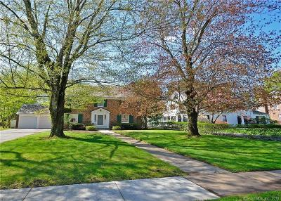West Hartford Single Family Home For Sale: 11 Fulton Place