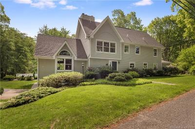 Guilford Single Family Home For Sale: 146 Colonial Road