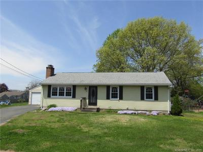 Southington Single Family Home For Sale: 30 Jordan Court