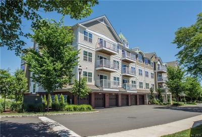 West Hartford Condo/Townhouse For Sale: 34 Schoolhouse Drive #209