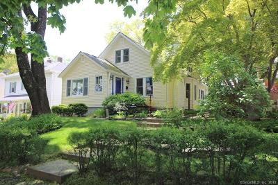 Stamford Single Family Home For Sale: 70 Edgewood Avenue