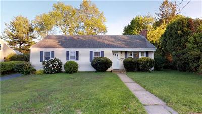 West Hartford Single Family Home For Sale: 39 Greystone Road