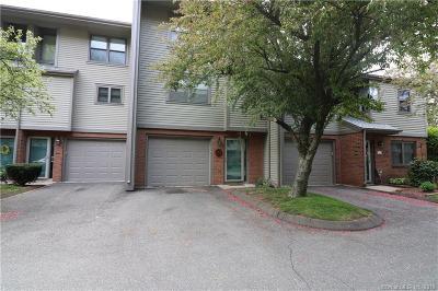 Meriden Condo/Townhouse For Sale: 157 Metacomet Drive #157