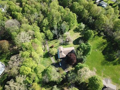 Brookfield Single Family Home For Sale: 7 Oak Lane