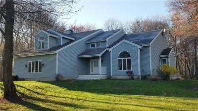 Burlington Single Family Home For Sale: 10 Fox Glenn Road