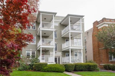 West Hartford Condo/Townhouse For Sale: 40 Robin Road #102