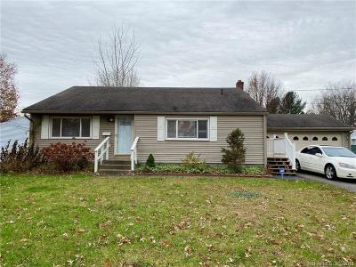 East Hartford Single Family Home For Sale: 71 Chesslee Road