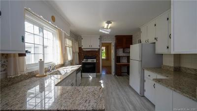 Middlebury Single Family Home For Sale: 5 Central Road
