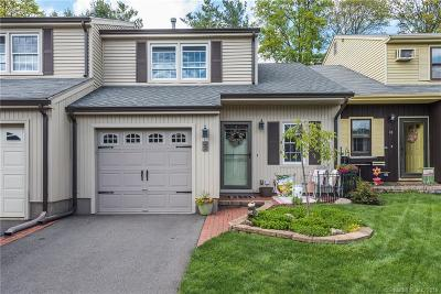 Newington Single Family Home For Sale: 8 Pebble Court