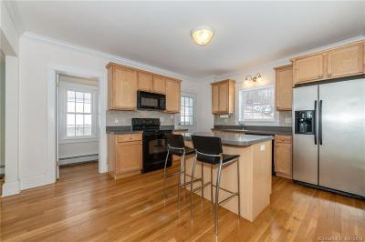 Bloomfield Single Family Home For Sale: 395 Tunxis Avenue