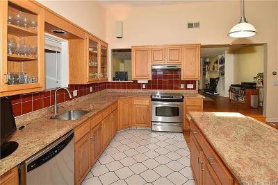 West Hartford Single Family Home For Sale: 76 Cumberland Road