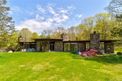 Ridgefield Single Family Home For Sale: 42 Black Pine Ridge